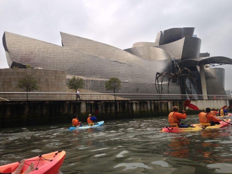Back-to-Back grupos en Bilbao